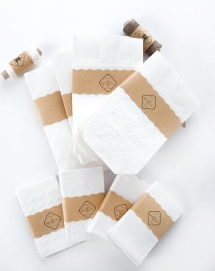 10 mini papiert ten t tchen mit schneeflocken wei. Black Bedroom Furniture Sets. Home Design Ideas