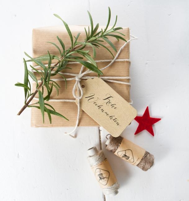 Geschenkanhänger Frohe Weihnachten.Frohe Weihnachten Geschenkanhänger Aus Leinenpapier Kraftpapier