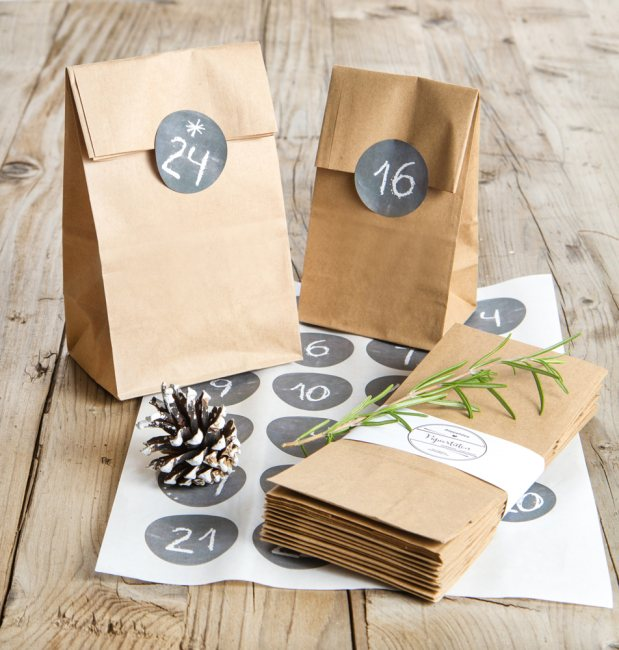 adventskalender set 24 kraftpapier t ten mit vintage zahlen sticker. Black Bedroom Furniture Sets. Home Design Ideas